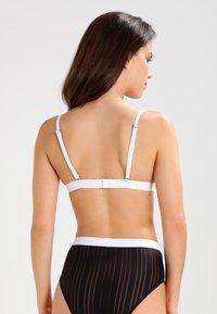 Undress Code - BE BRAVE - Reggiseno a triangolo - black - 2