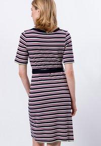 zero - Shift dress - magenta rouge - 2