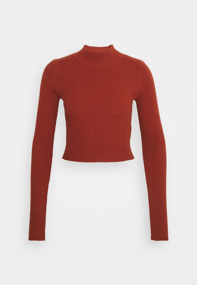 CROPPED JUMPER WITH LONG SLEEVES AND HIGH ROUND NECKLINE - Trui - rust