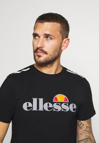 Ellesse - CELLA  - T-shirts print - black - 3