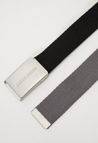 Jack & Jones - JACKYLE REVERSIBLE BELT - Belt - castlerock/black - 4