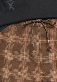 Brixton - MADRID - Shorts - washed brown - 4