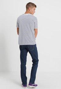 Wrangler - GREENSBORO - Jeans straight leg - darkstone - 2