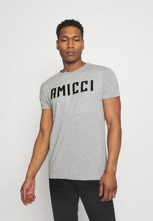 FORLO - T-shirt con stampa - grey