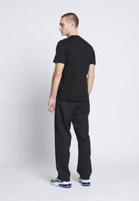 Carhartt WIP - OUTDOOR  - Print T-shirt - black/white - 2