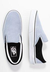 Vans - CLASSIC UNISEX - Slip-ons - zen blue/black - 3