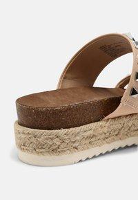 Madden Girl - CASE - T-bar sandals - nude - 7