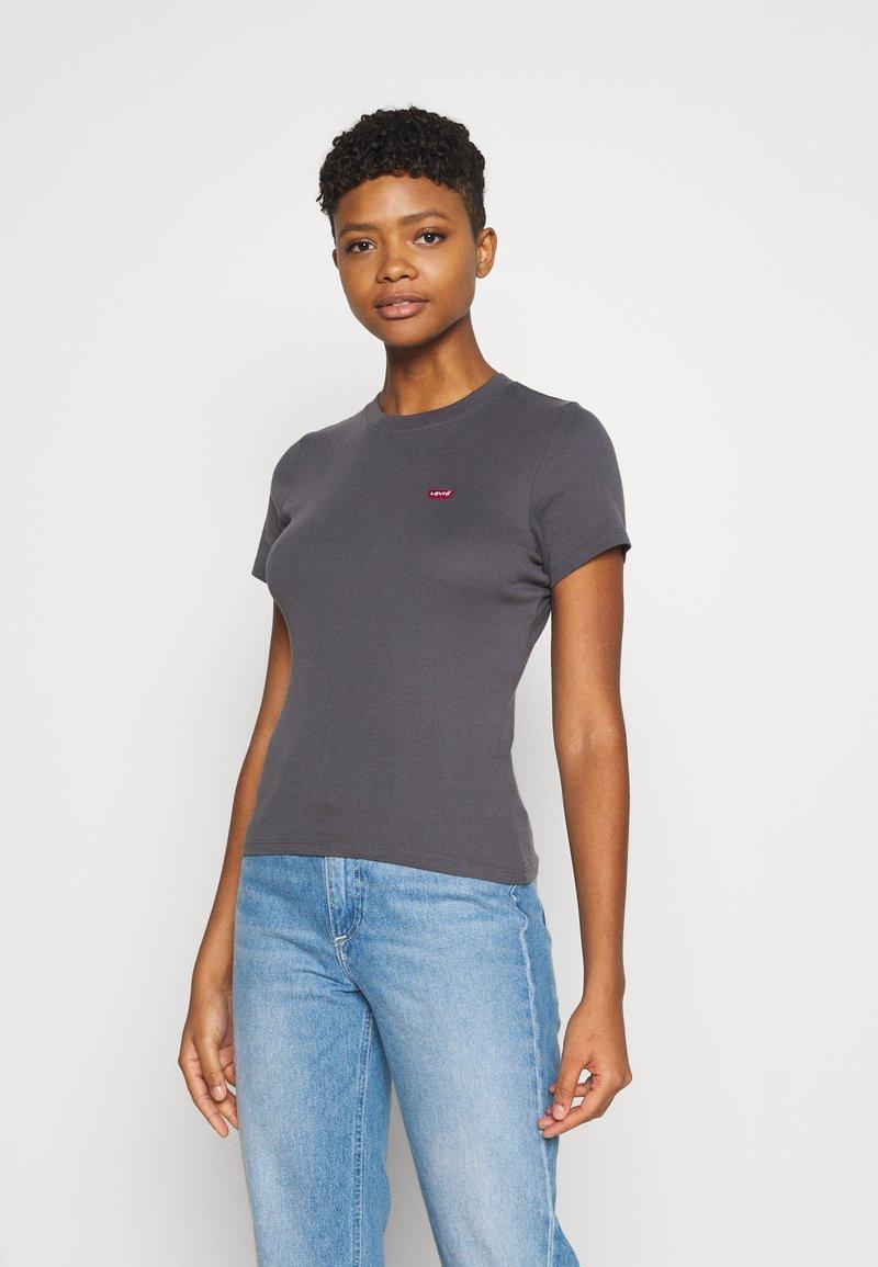 Levi's® - BABY TEE - T-shirt z nadrukiem - blackened pearl