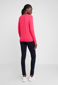 Tommy Hilfiger - Sweter - bright jewel - 2