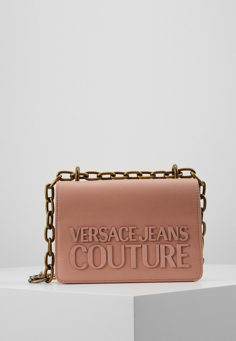 Versace Jeans Couture - CROSS BODY FLAP CHAINMACROLOGO - Across body bag - cipria