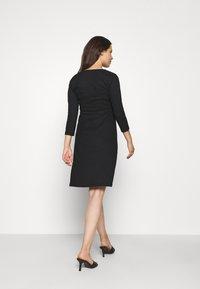 LOVE2WAIT - DRESS NURSING CRINCLE - Jersey dress - black - 2