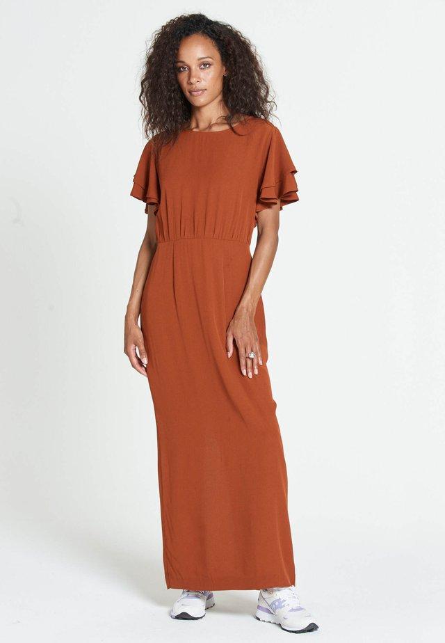JUSTISE LUX - Vestito lungo - brown