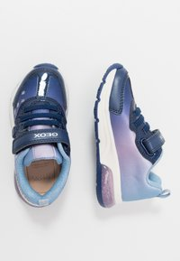 Geox - SPACECLUB GIRL FROZEN ELSA - Trainers - navy/lilac - 1