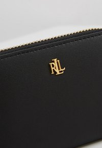 Lauren Ralph Lauren - SUPER SMOOTH ZIP  - Wallet - black/crimson - 4