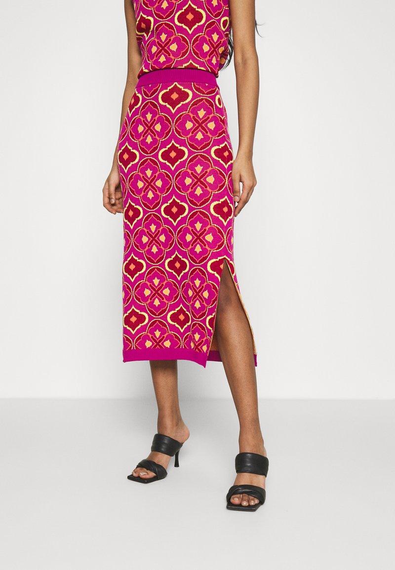 Never Fully Dressed - JASMINE MIDI SKIRT - Pencil skirt - orange