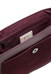 IZIA - Across body bag - dunkelrot - 3