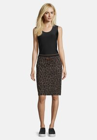 Betty Barclay - MIT JACQUARD - Pencil skirt - black/taupe - 1