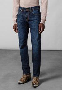 Baldessarini - 5-POCKET JACK - Straight leg jeans - dark blue - 1