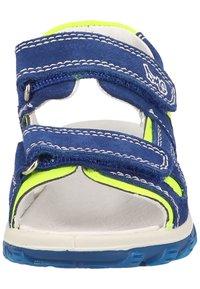 Primigi - Walking sandals - zaffiro/giallo - 5