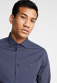 Tommy Hilfiger Tailored - PRINT CLASSIC SLIM - Shirt - blue - 3