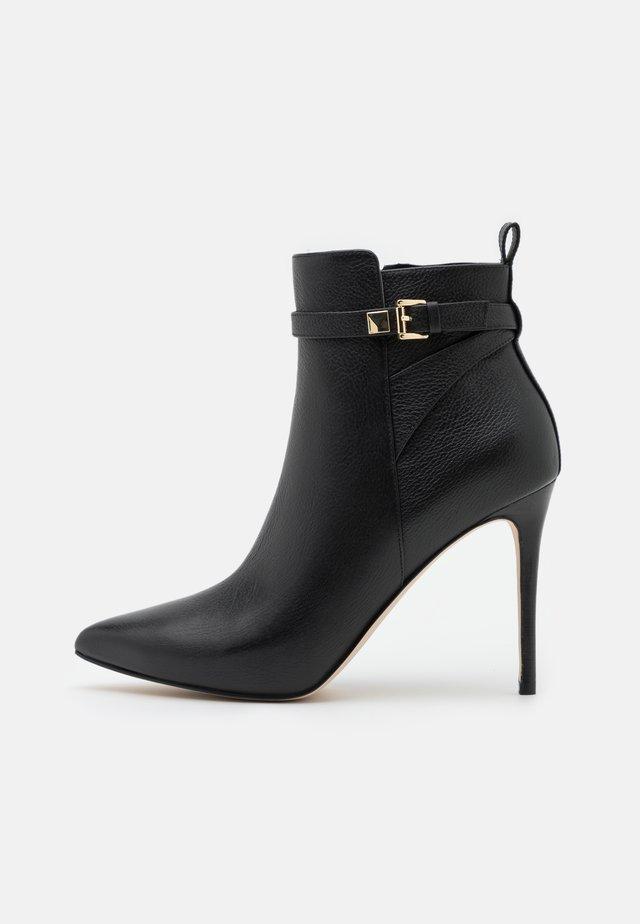 FANNING BOOTIE - High Heel Stiefelette - black