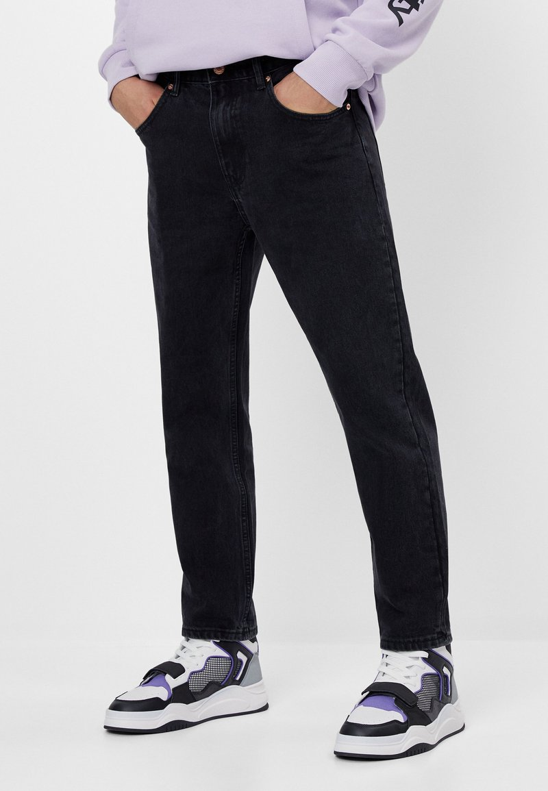 Bershka - Džíny Straight Fit - black