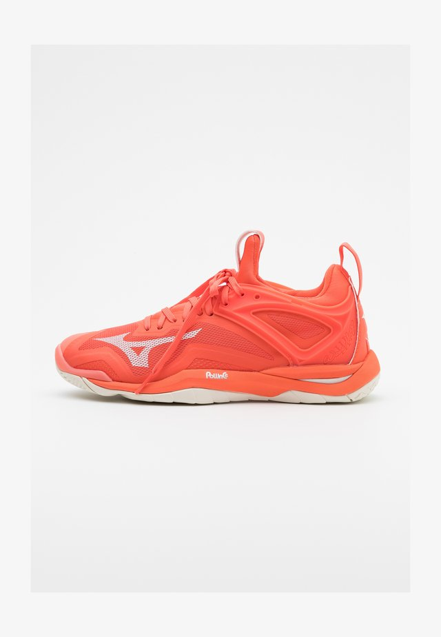 WAVE MIRAGE 3 - Chaussures de handball - livingcoral/snowwhite