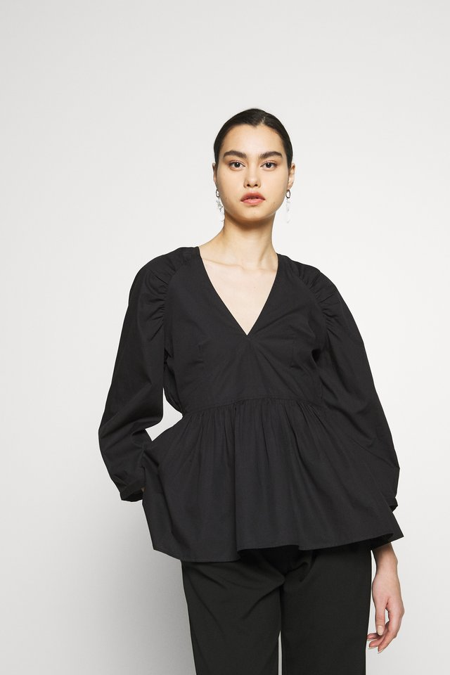 SLFTESSY VNECK - Bluse - black
