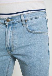 Lee - LUKE - Jeans slim fit - light alton - 6