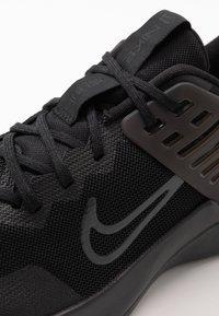 Nike Performance - AIR MAX ALPHA TRAINER 3 - Sportovní boty - black/anthracite - 5