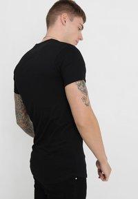 Good For Nothing - BASIC LOGO CARRIER - Basic T-shirt - black - 2