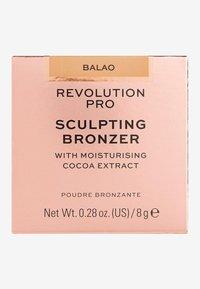 Revolution PRO - SCULPTING BRONZER - Bronzer - balao - 3