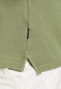 Only & Sons - ONSPAGE SLIM WASHED - Polotričko - oil green - 5
