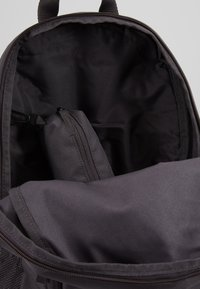 Nike Sportswear - UNISEX - Schulranzen Set - thunder grey/white - 5