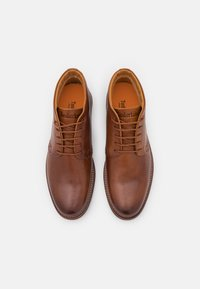 Timberland - CITY GROOVE CHUKKA - Lace-up ankle boots - mid brown - 3