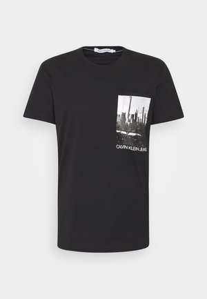 POCKET TEE - T-shirt med print - black