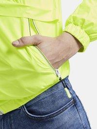 TOM TAILOR DENIM - JACKEN & JACKETS LEICHTE JACKE - Light jacket - neon green - 5