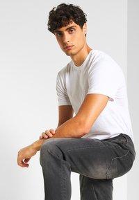 Petrol Industries - JACKSON - Slim fit jeans - black stone - 3