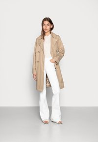Denham - JANE BLWHITE - Široké džíny - white - 1