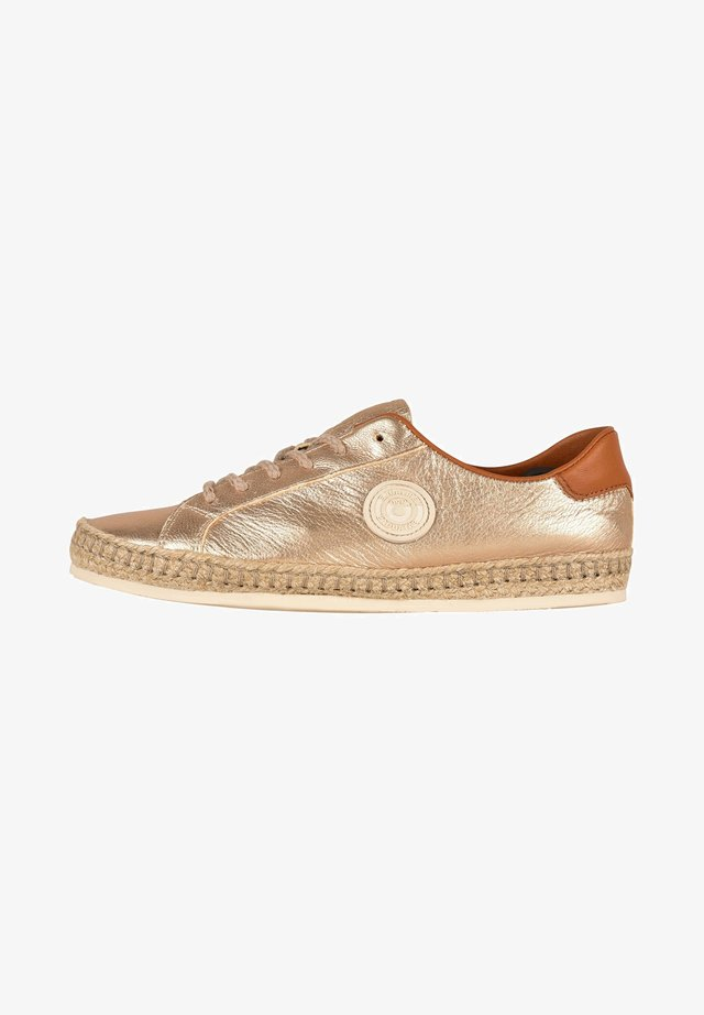 PAM M F2E - Trainers - gold