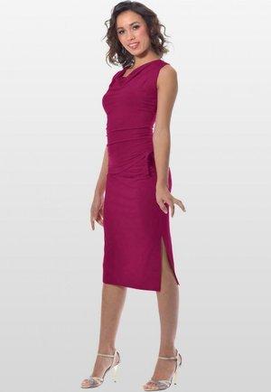 MELBOURNE - Pencil skirt - fuchsia