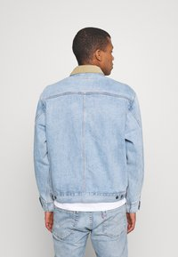 Levi's® - SUNSET TRUCKER - Veste en jean - how strong - 2