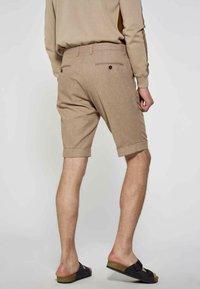 MDB IMPECCABLE - Shorts - brown - 1