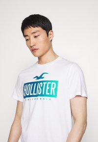 Hollister Co. - PRINT LOGO - Print T-shirt - white - 3