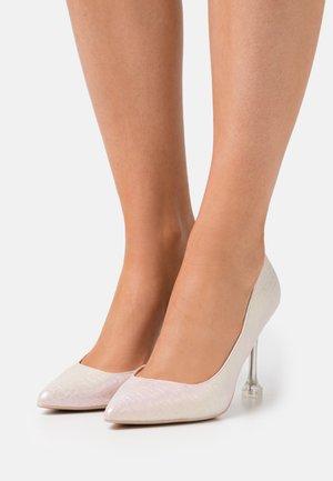 ANDREAA - Classic heels - light pink