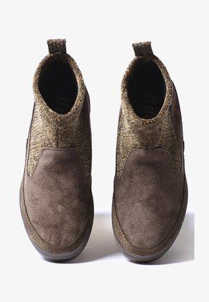 GIGI-ST - Zapatillas - caqui