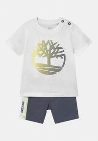 Timberland - SET - Print T-shirt - white/grey - 0