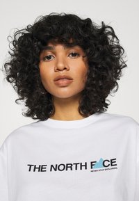 The North Face - LETTER TEE - T-shirts med print - white/black/ethereal blue - 3