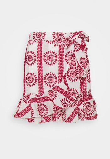SHELBY BRODERIE ANGLAISE MINI WRAP SKIRT - Mini skirt - white