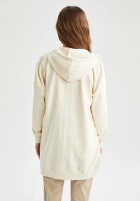 DeFacto - Zip-up hoodie - ecru - 2